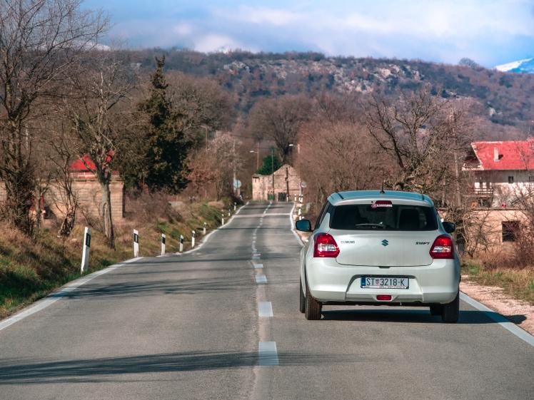 croatia-car-road-rental-with-avax